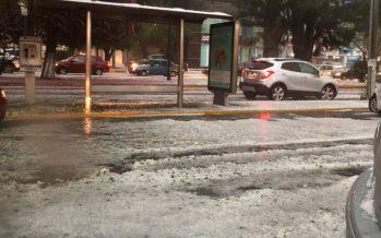 Granizo y lluvia en Morelia, provocan severas inundaciones en la capital de Michoacán