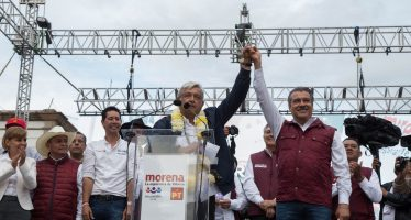 """AMLO y Raúl Morón cierran campaña en Morelia; """"los morelianos se sumarán a la Cuarta Transformación del país"""", remarcan"""