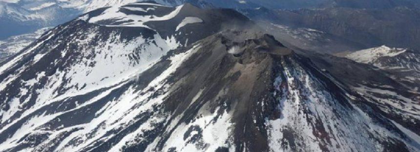 Chile, en alerta por la probable erupción del volcán Nevados de Chillán