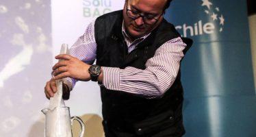 Unos emprendedores chilenos fabrican bolsas plásticas solubles en agua que no contaminan