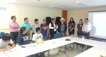 Capacitan a acuacultores de Oaxaca en empoderamiento empresarial
