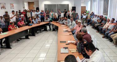 Pescadores sinaloenses reciben apoyos por parte de la CONAPESCA