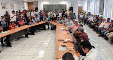 Pescadores sinaloenses plantan exigencias en la Conapesca