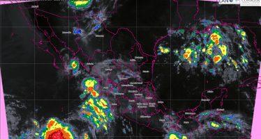 Tormentas puntuales intensas en Oaxaca y Chiapas acompañadas de descargas eléctricas y caída de granizo.