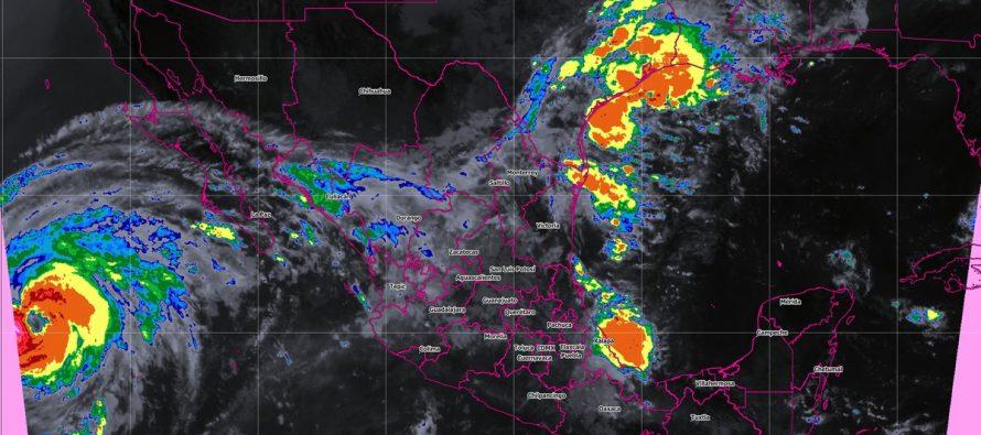 Rosa se degradó a huracán categoría 2