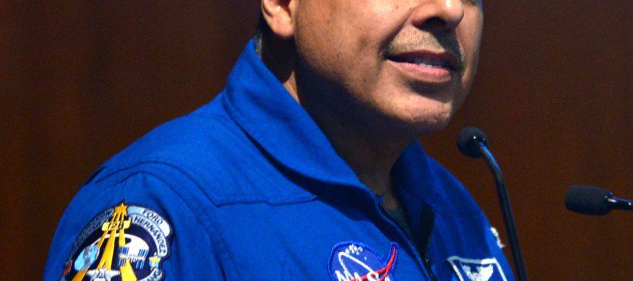 Deben mitigarse riesgos a la salud en los astronautas: José Hernández Moreno, ingeniero astronauta de origen mexicano