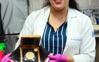 Andrea Sánchez Navarro, estudiante michoacana de la UNAM, recibe Premio Nacional de la Juventud en Ciencia y Tecnología