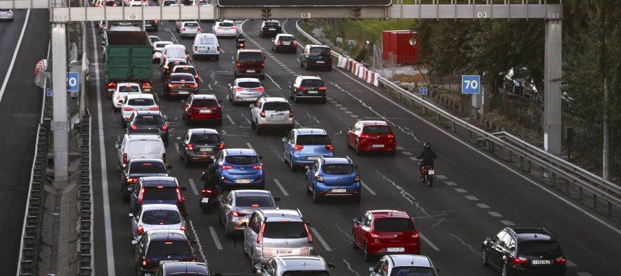 La contaminación obliga a reducir la velocidad en la M-30 y los accesos