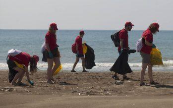 Mares Circulares, proyecto de limpieza de costas y fondos marinos por parte de Coca-Cola