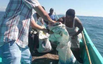 Impiden extracción de material pétreo de mar en Guerrero