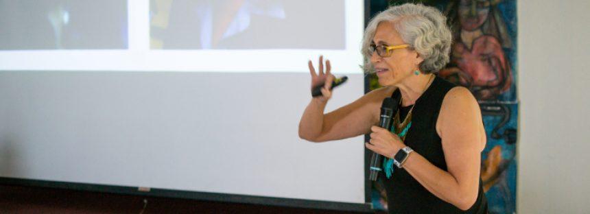 Científica mexicana investiga la endocitosis, en un hongo benigno