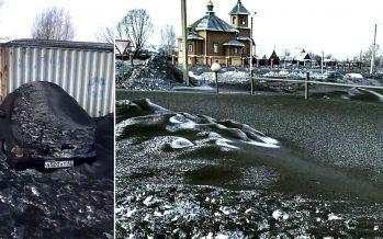 Tóxica nieve negra cubre la región minera de carbón de Siberia