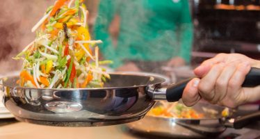 Cocinar y limpiar también contamina, y no solo la casa