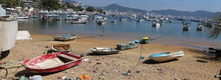 Vacacionistas dejan 400 toneladas de basura en Acapulco