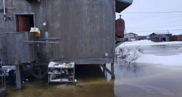 El hielo se resquebraja bajo los pies de Alaska