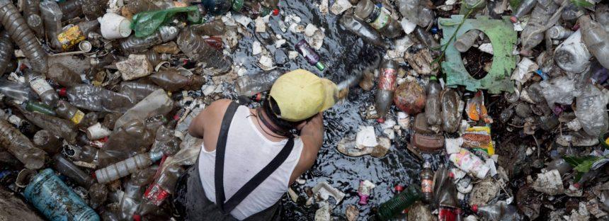 El plástico atasca las arterias de Ciudad de México