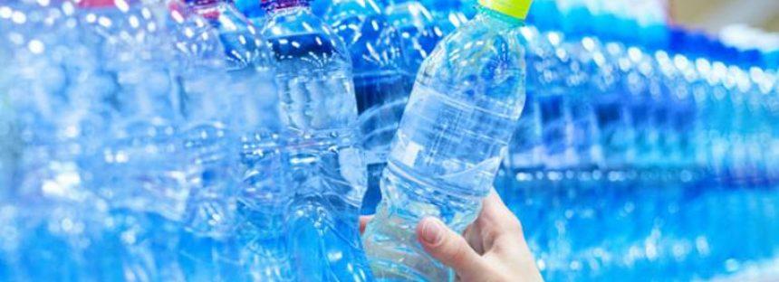 Consumo de botellas de plástico marca récord en México: Semarnat