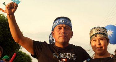 """Quién es Alberto Curamil, el líder mapuche chileno premiado con el """"Nobel ambiental"""" (y por qué no podrá recibirlo)"""