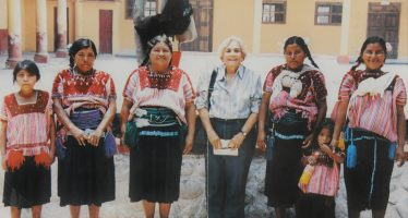 Donan al INAH, archivo personal de la antropóloga mexicana Margarita Nolasco