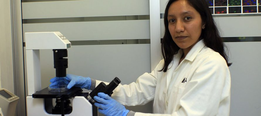 Monserrat Gerardo, candidata al doctorado en la UAM, trabaja en molécula que suprime tumores cancerígenos en hígado