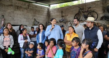 Presidenta Municipal de Ezequiel Montes arranca obra de vivienda en San José del Jagüey
