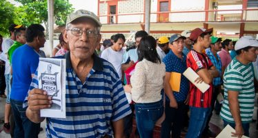 Concluye entrega de apoyos económicos a pescadores y acuacultores de Campeche