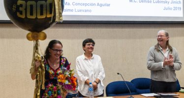 Denise Lubinsky, profesora por asignatura en la UABC, es la egresada número 3 mil del CICESE