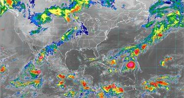 Lorena ocasiona lluvias, rachas de viento fuertes y oleaje de 3 a 5 metros en Baja California, Baja California Sur, Sonora y Sinaloa