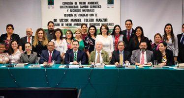 Semarnat expuso política ambiental del nuevo gobierno ante diputados