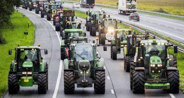 Protesta masiva de los granjeros en Holanda por su mala imagen en la lucha contra el cambio climático