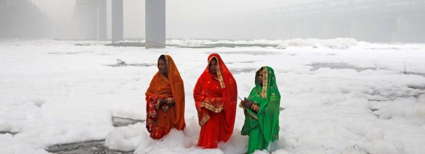 Residentes de Delhi envueltos en contaminación culpan a las autoridades por la inacción