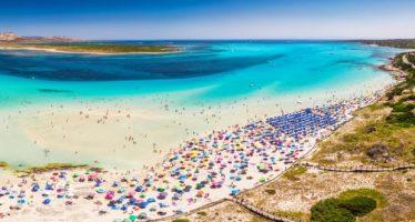 Playa italiana 'celestial' cobrará tarifa de entrada para reducir el hacinamiento
