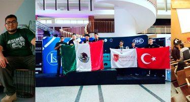 Alumnos del IPN ganan medalla de oro y plata en concurso internacional de robótica en Rumania