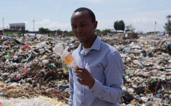 El activista que consiguió que Kenia dejara de usar bolsas de plástico
