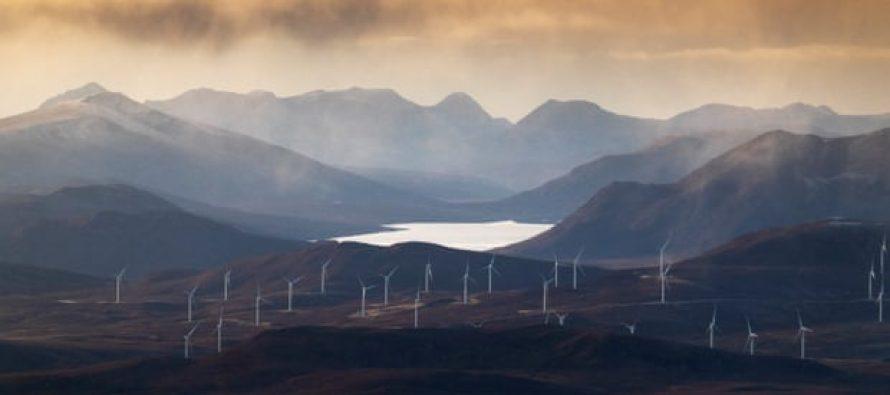 Los combustibles fósiles caen a una baja proporción récord de mezcla energética del Reino Unido