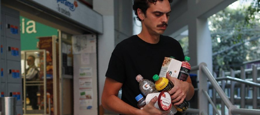 Ciudad de México lucha por dejar su adicción al plástico