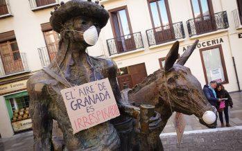 Las estatuas de Granada 'se quejan' de la contaminación