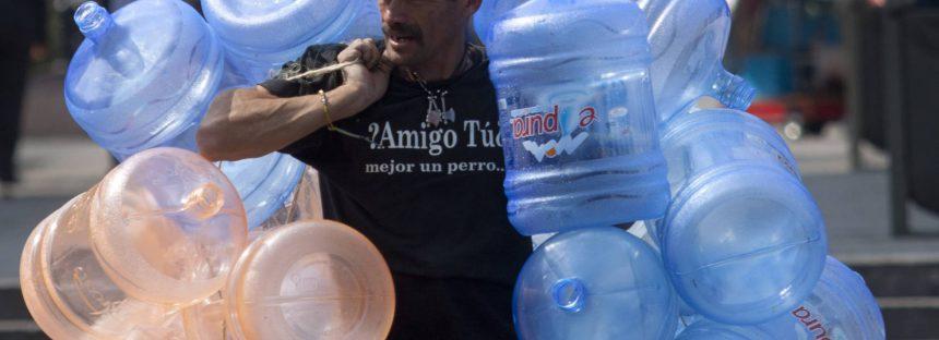 El agua, un fracaso público y un negocio privado en México