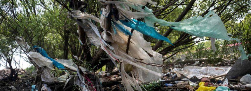 China declara la guerra al plástico