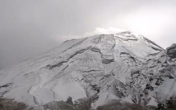Popocatépetl se viste de blanco