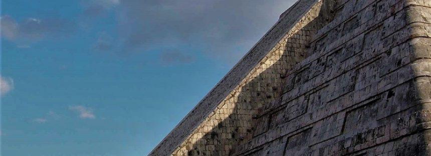 """Investigadores del INAH, rechazan la intención de registrar fenómenos """"equinocciales"""" en las pirámides de México"""