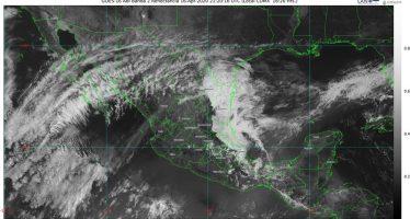 Lluvias fuertes en el sureste de México y chubascos para el noroeste y el oriente del país; sigue onda de calor