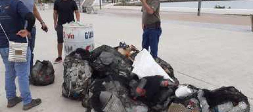 Retiran desechos sólidos en el malecón de Guaymas, Sonora