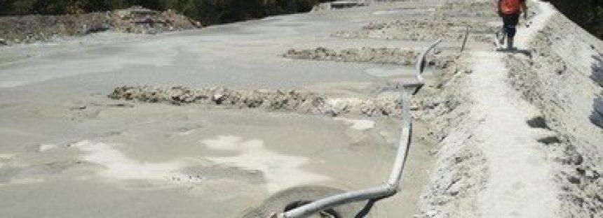 Clausuran minera de plomo y zinc que accidentalmente derramó 6 mil metros cúbicos de jales en Durango