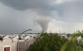 Tornados y lluvias, causan destrozos en Apodaca, Nuevo León; y Zacatlán, en Puebla