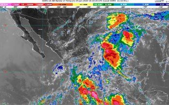 A 530 Km de Zihuatanejo, onda tropical provoca lluvias en Chiapas, Guerrero, Oaxaca, Puebla, Tamaulipas y Veracruz