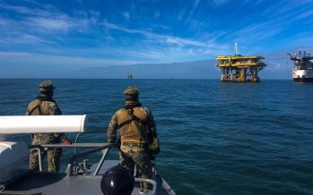 Guardia Costera Mexicana mantiene a raya a delincuencia organizada que opera contra plataforma y barcos, y roba combustible