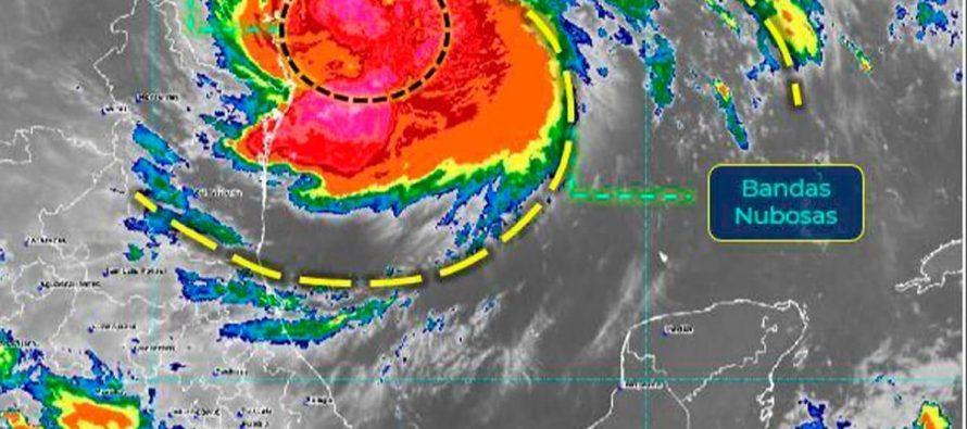 Por Hanna que provoca lluvia, granizo y viento, se suspenden actividades oficiales y comerciales en Nuevo León