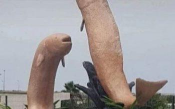 """Insólito: retiran estatuas de peces (Marruecos) porque los vecinos las tildaron de """"pornográficas"""""""