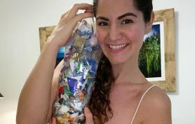 """La comunicadora ambiental Jossy Zamora invita a la sociedad de Cancún a reciclar y elaborar """"ecoladrillos"""""""